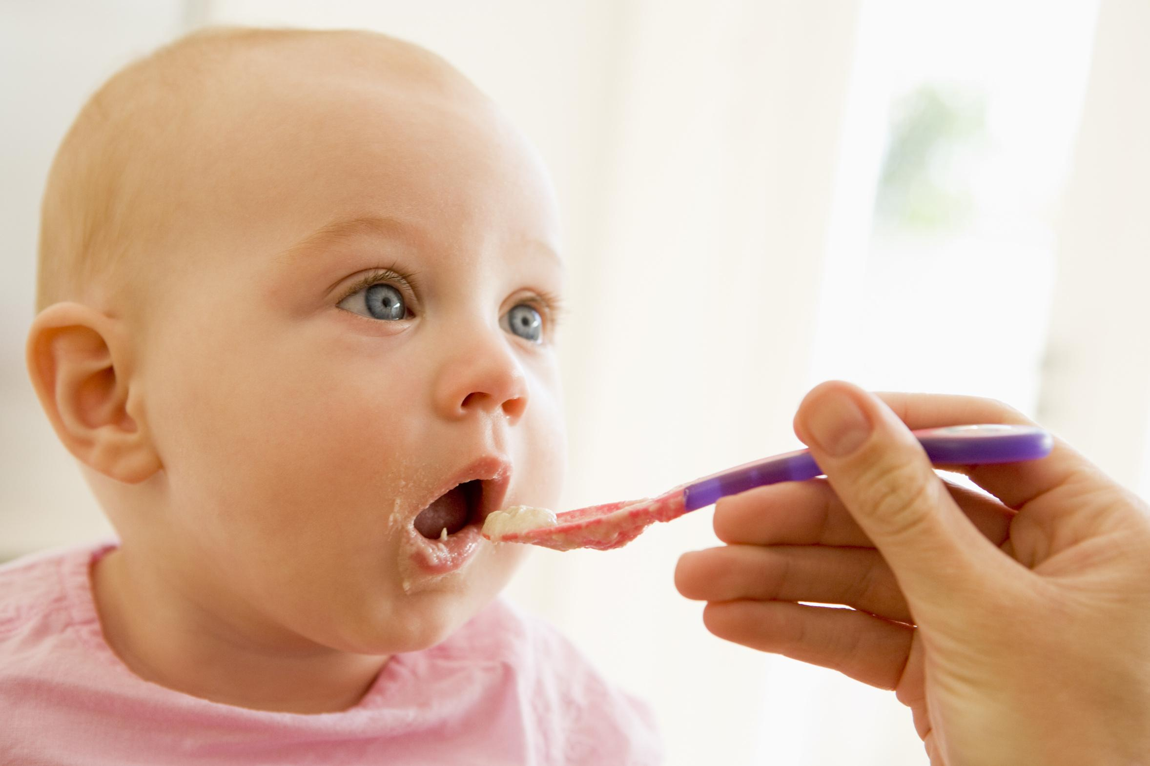 Training Baby To Eat Solid Food